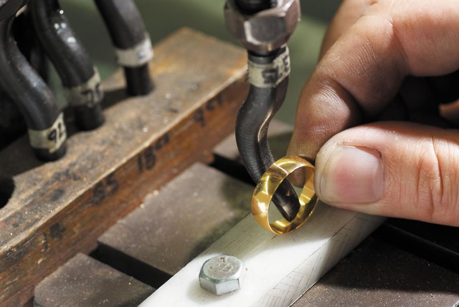 Carat Stamping 945x632